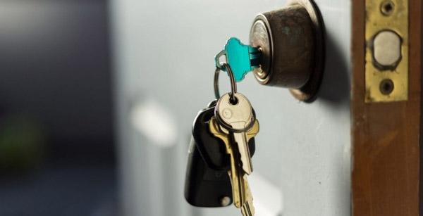 هنگام جا به جایی نصبت به تعویض قفلهای قدیمی اقدام کنید